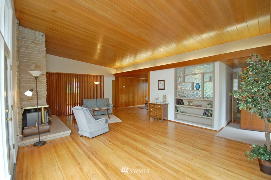 Sold Property   11521 Corliss Avenue N Seattle, WA 98133 2