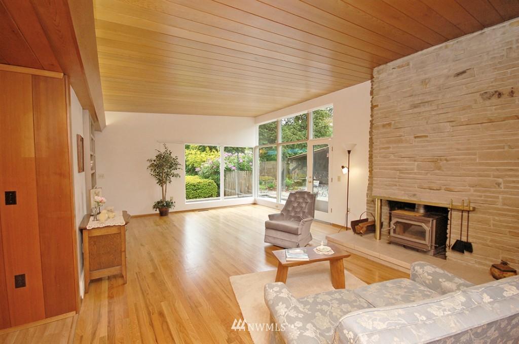 Sold Property   11521 Corliss Avenue N Seattle, WA 98133 4