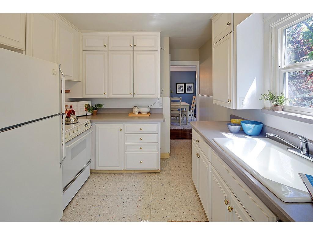 Sold Property   7033 22nd Avenue NW Seattle, WA 98117 5
