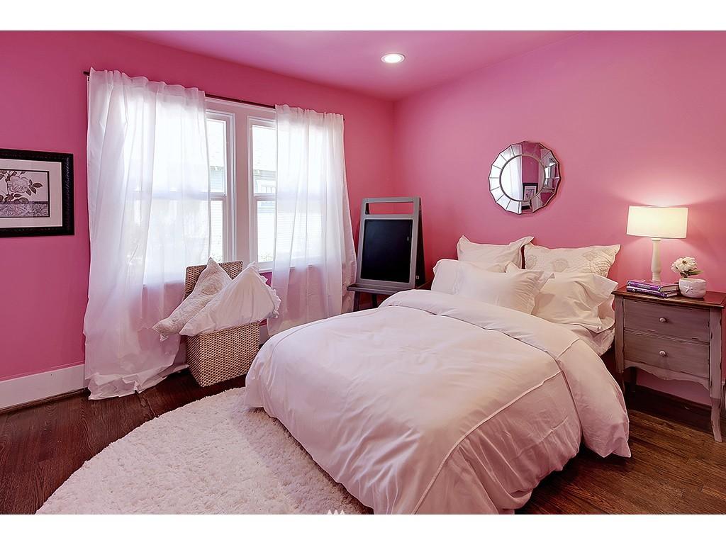 Sold Property   7033 22nd Avenue NW Seattle, WA 98117 10