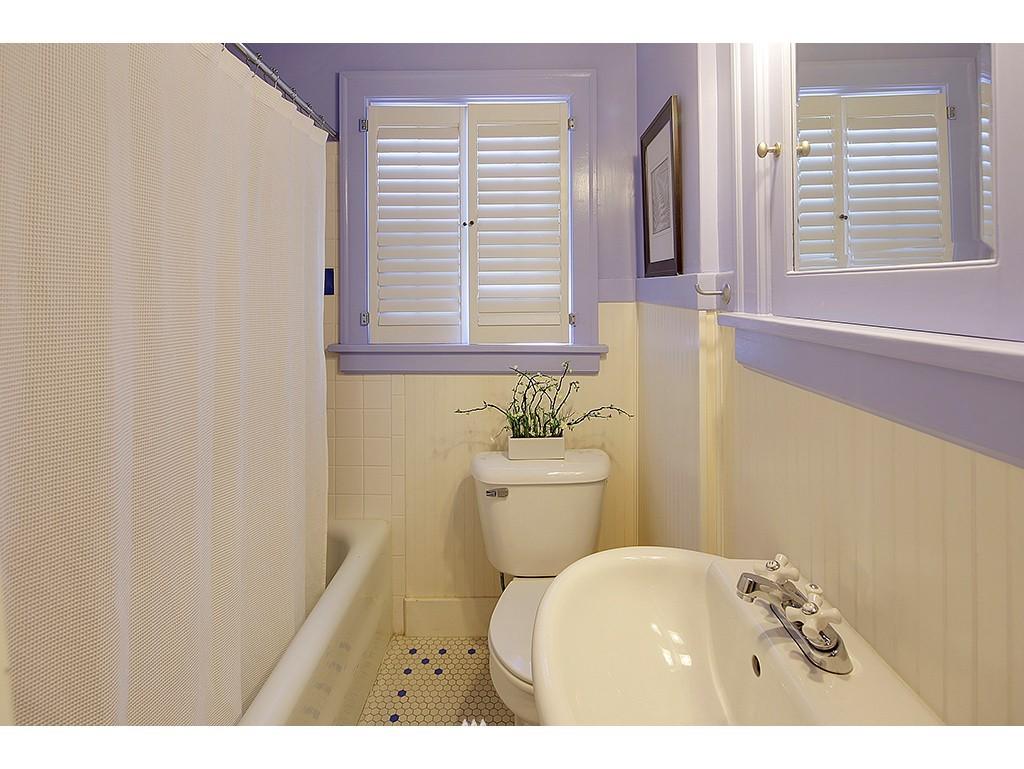 Sold Property   7033 22nd Avenue NW Seattle, WA 98117 11