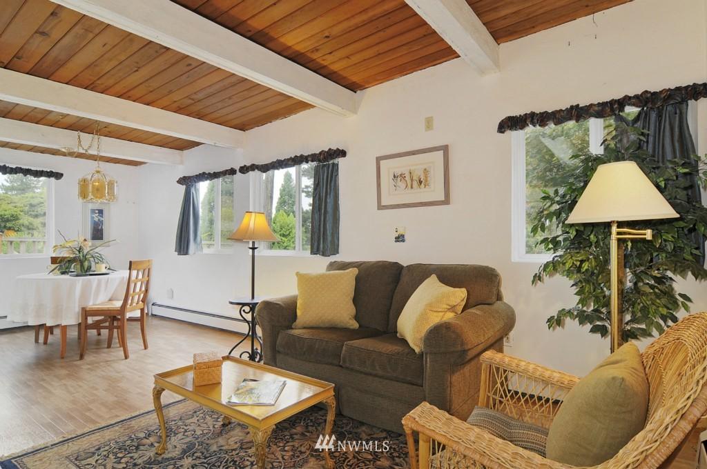 Sold Property | 415 NE 94th Street Seattle, WA 98115 2