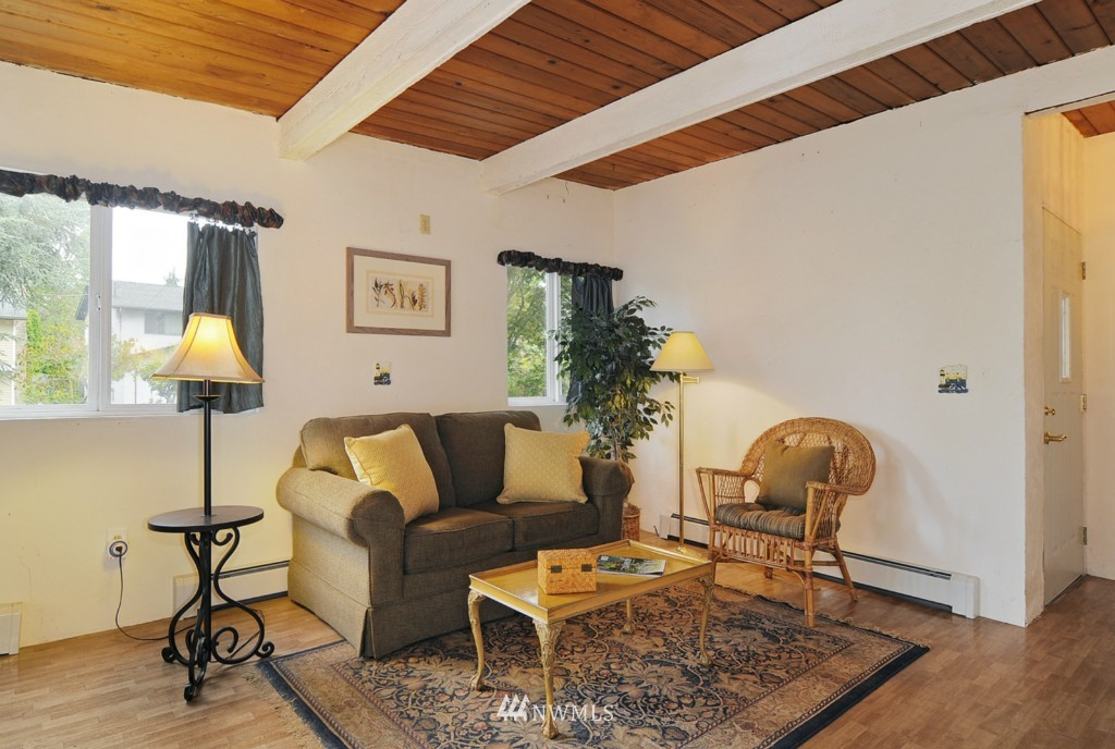 Sold Property | 415 NE 94th Street Seattle, WA 98115 4