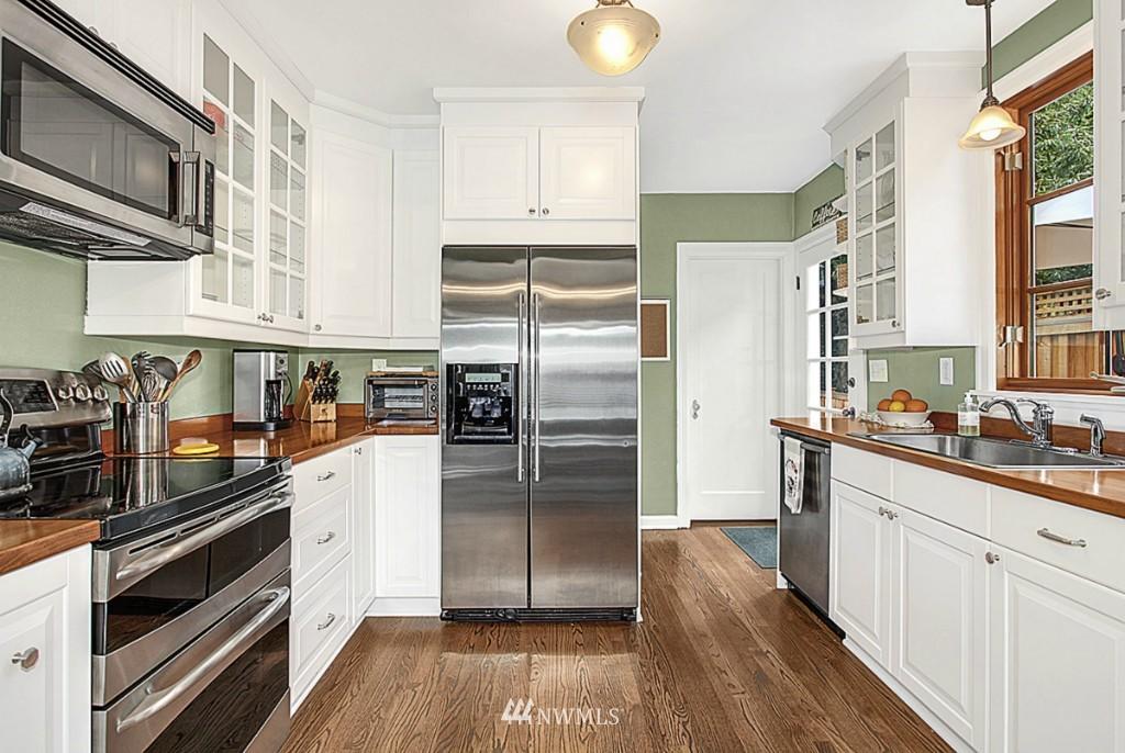 Sold Property   5518 Ashworth Avenue N Seattle, WA 98103 5