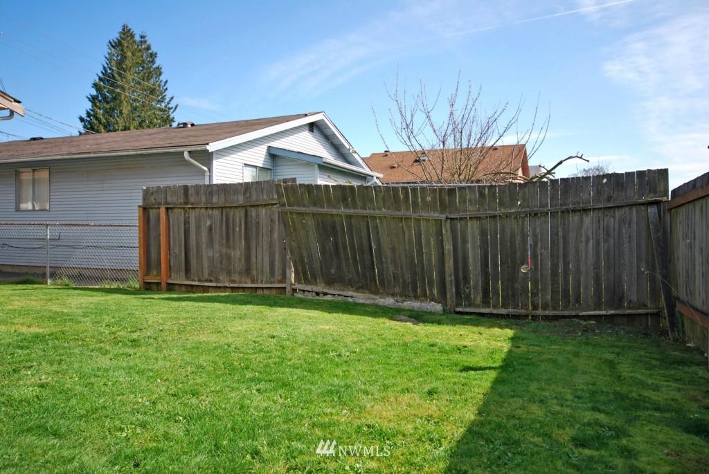 Sold Property   721 N 104th Street Seattle, WA 98133 9