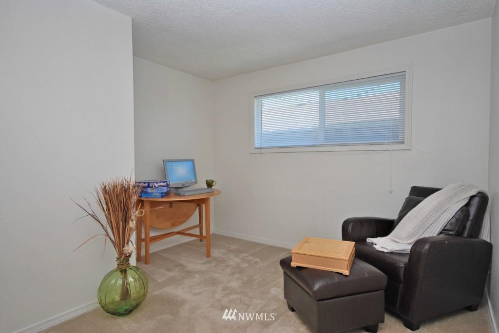 Sold Property   721 N 104th Street Seattle, WA 98133 5
