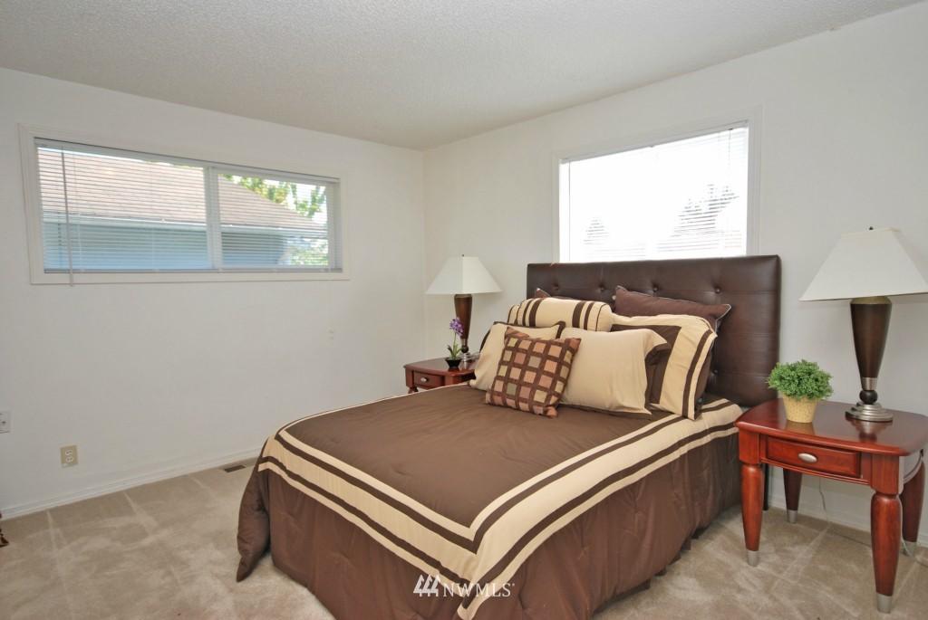 Sold Property   721 N 104th Street Seattle, WA 98133 6