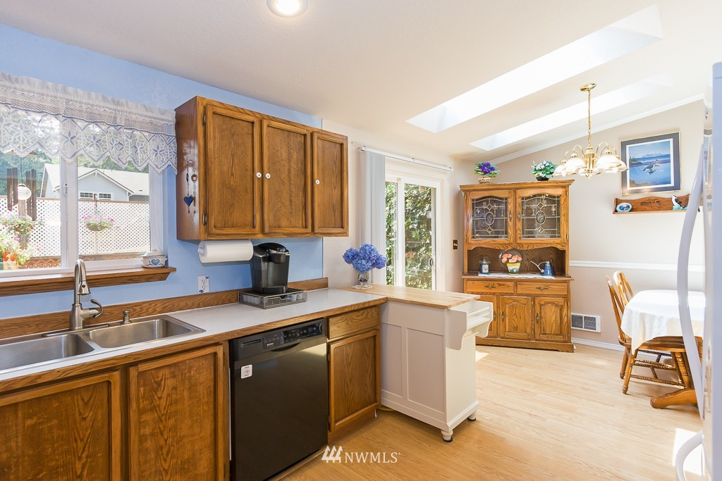 Sold Property   14703 Cascadian Way Lynnwood, WA 98087 5