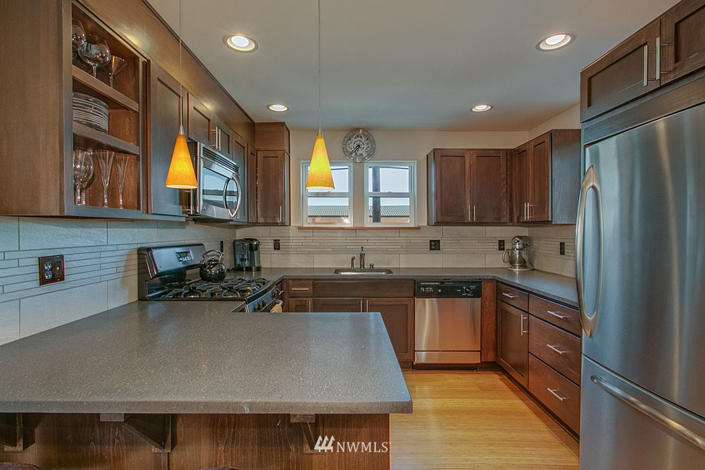 Sold Property | 6701 14th Avenue NW Seattle, WA 98117 2