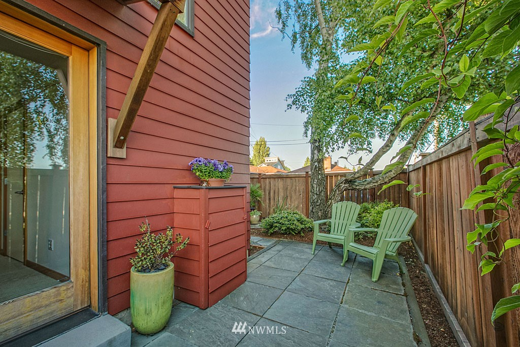 Sold Property | 6701 14th Avenue NW Seattle, WA 98117 11