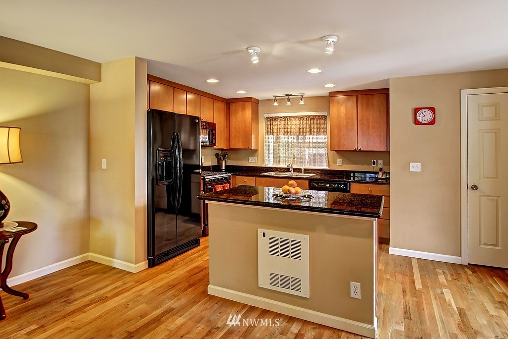 Sold Property   1276 N 143rd Street Shoreline, WA 98133 3