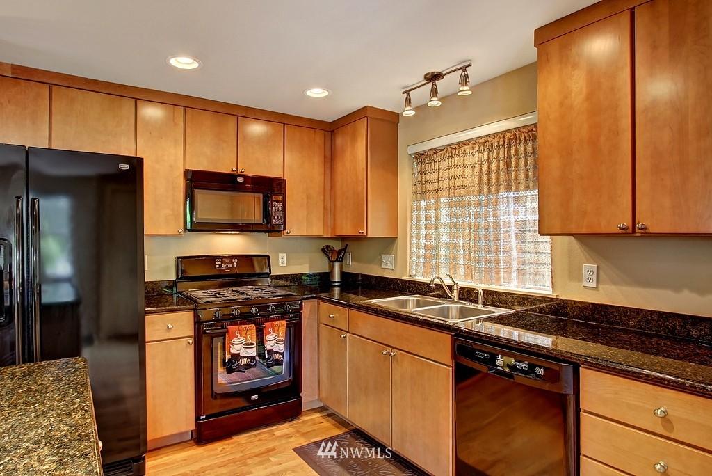 Sold Property   1276 N 143rd Street Shoreline, WA 98133 4