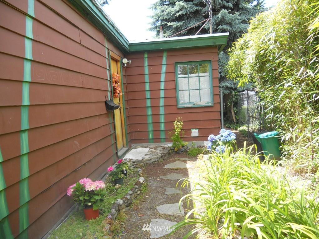 Sold Property   3219 21st Avenue S Seattle, WA 98144 3