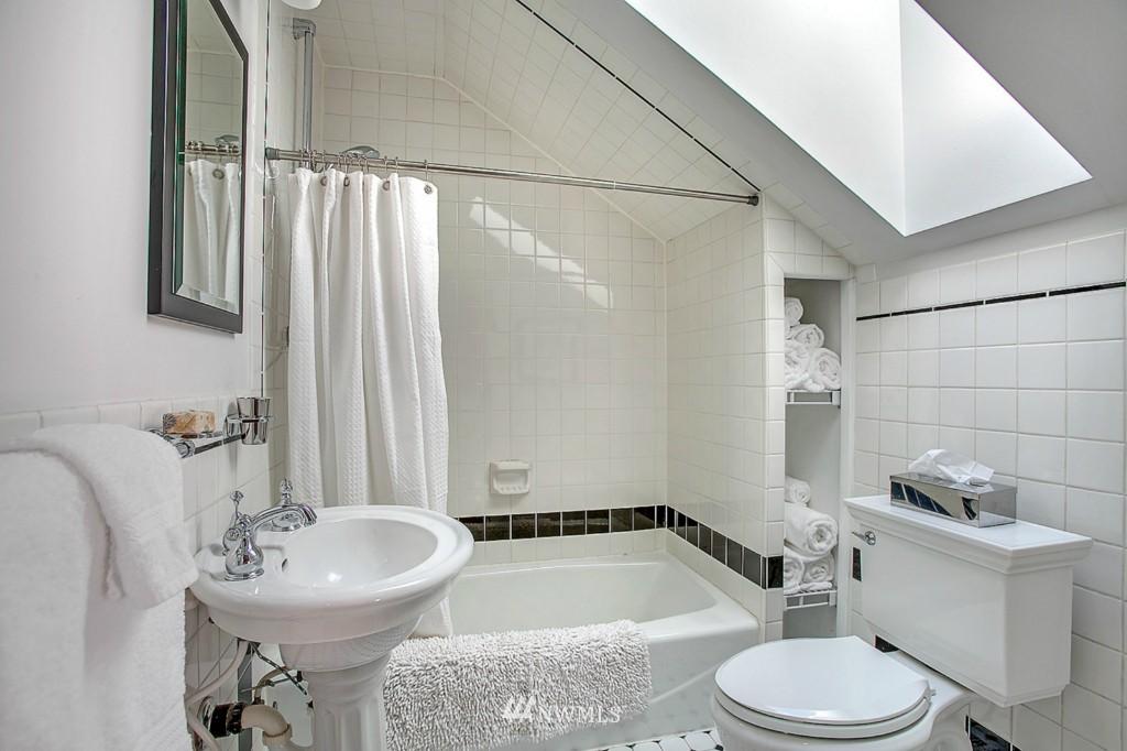 Sold Property | 361 Garfield Street Seattle, WA 98109 9