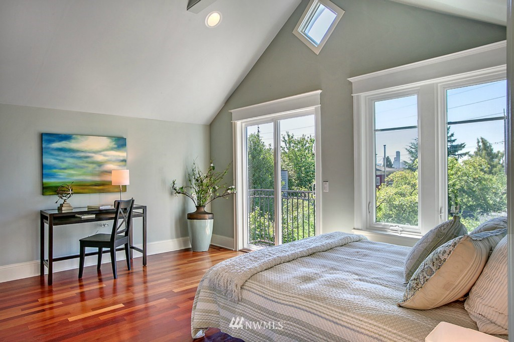 Sold Property | 361 Garfield Street Seattle, WA 98109 13