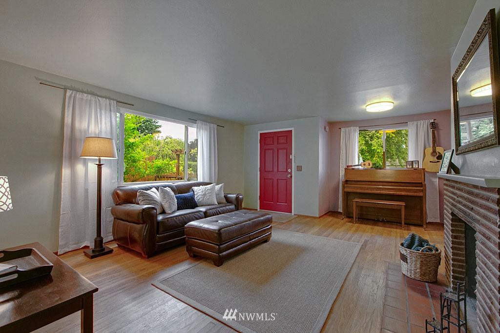 Sold Property | 13519 16th Avenue NE Seattle, WA 98125 1