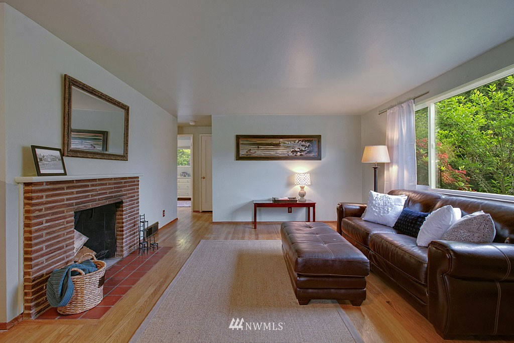 Sold Property | 13519 16th Avenue NE Seattle, WA 98125 2