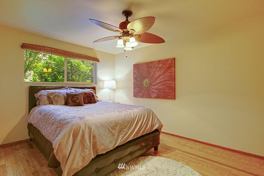 Sold Property | 13519 16th Avenue NE Seattle, WA 98125 6