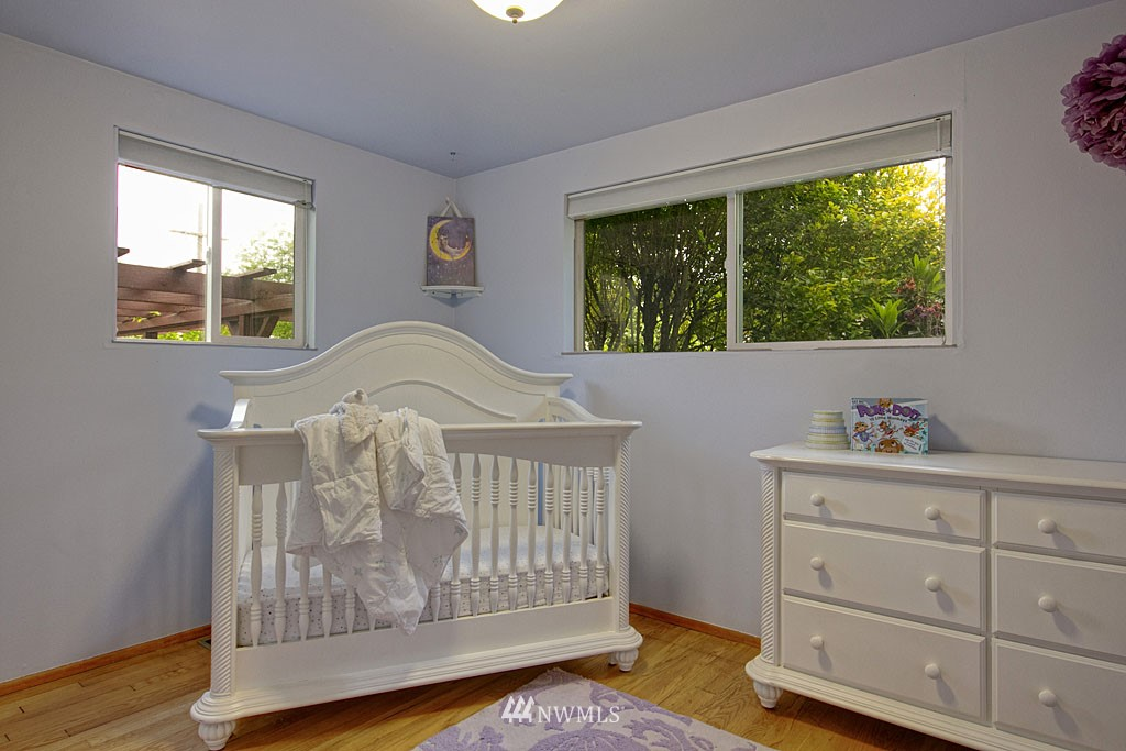Sold Property | 13519 16th Avenue NE Seattle, WA 98125 7