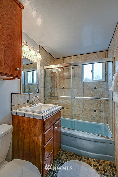 Sold Property | 13519 16th Avenue NE Seattle, WA 98125 9