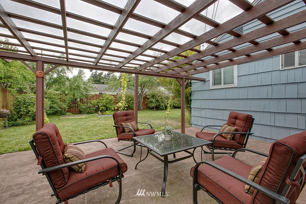 Sold Property | 13519 16th Avenue NE Seattle, WA 98125 13