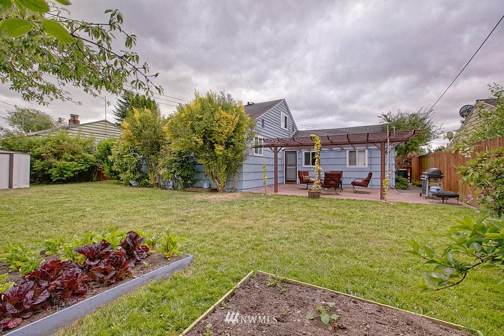 Sold Property | 13519 16th Avenue NE Seattle, WA 98125 14