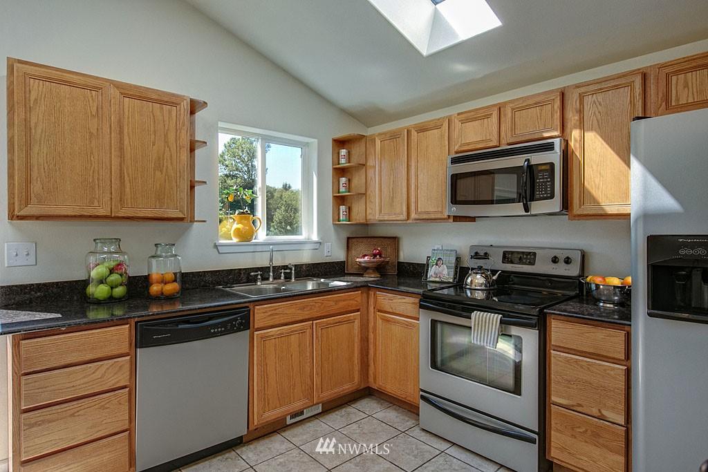 Sold Property   1625 29th Avenue Seattle, WA 98122 4