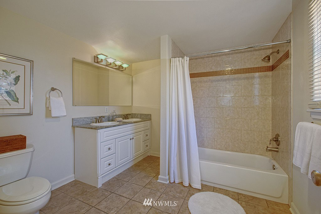 Sold Property   1625 29th Avenue Seattle, WA 98122 6