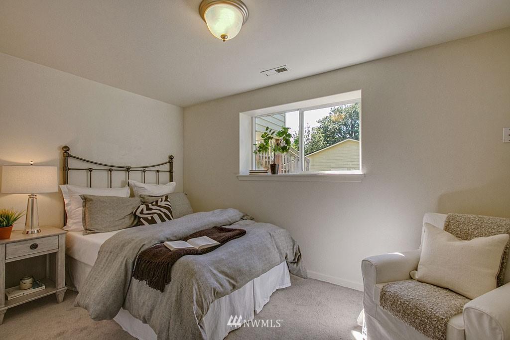 Sold Property   1625 29th Avenue Seattle, WA 98122 7