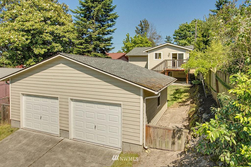 Sold Property   1625 29th Avenue Seattle, WA 98122 11