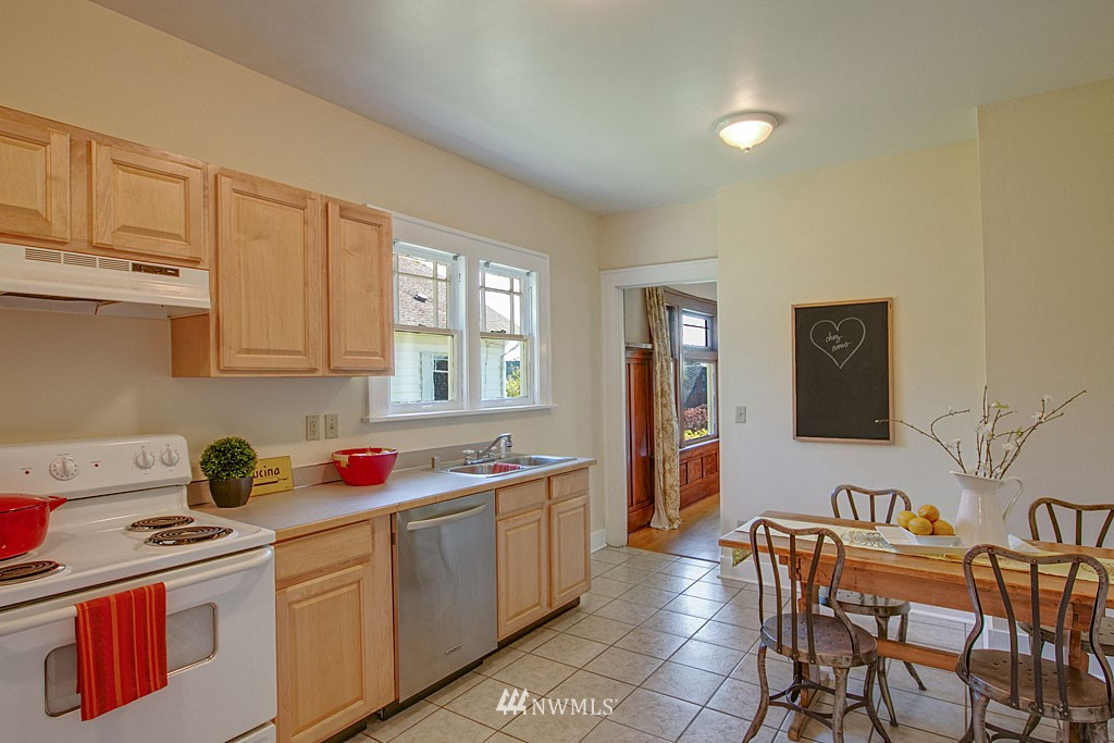 Sold Property   6714 1st Avenue NW Seattle, WA 98117 4