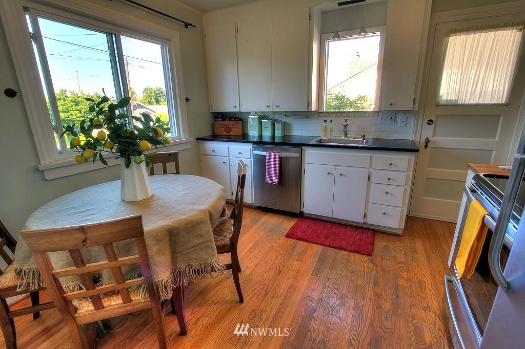 Sold Property | 727 N 100th Street Seattle, WA 98133 5
