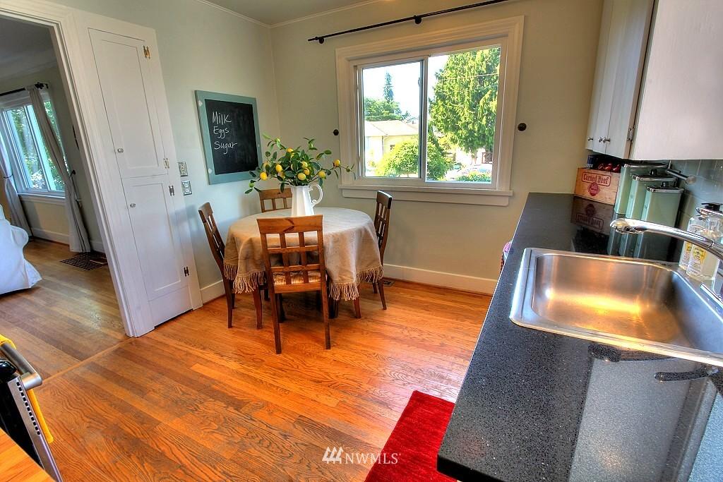 Sold Property | 727 N 100th Street Seattle, WA 98133 6