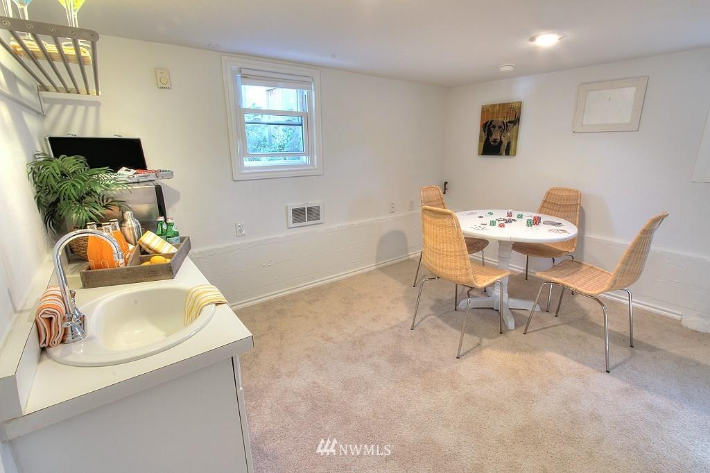 Sold Property | 727 N 100th Street Seattle, WA 98133 17