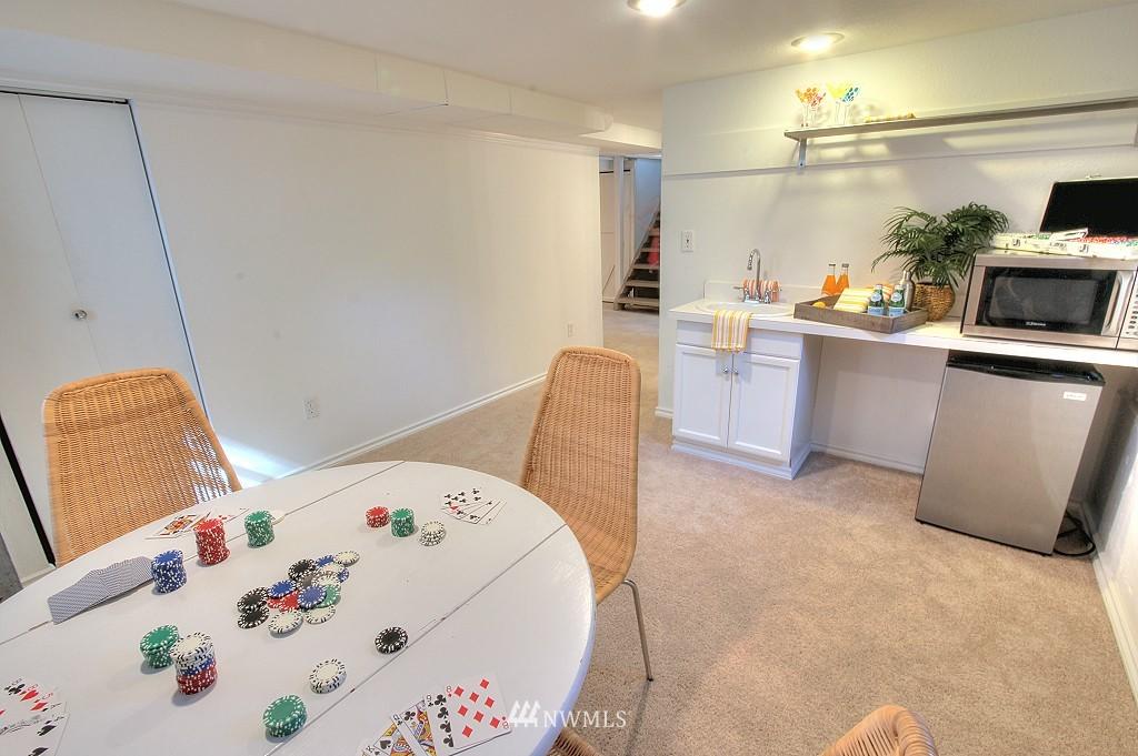 Sold Property | 727 N 100th Street Seattle, WA 98133 18