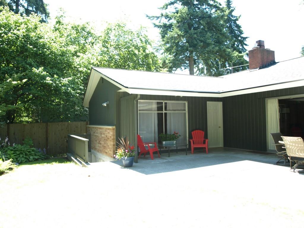 Sold Property | 15714 Greenwood Avenue N Shoreline, WA 98133 2