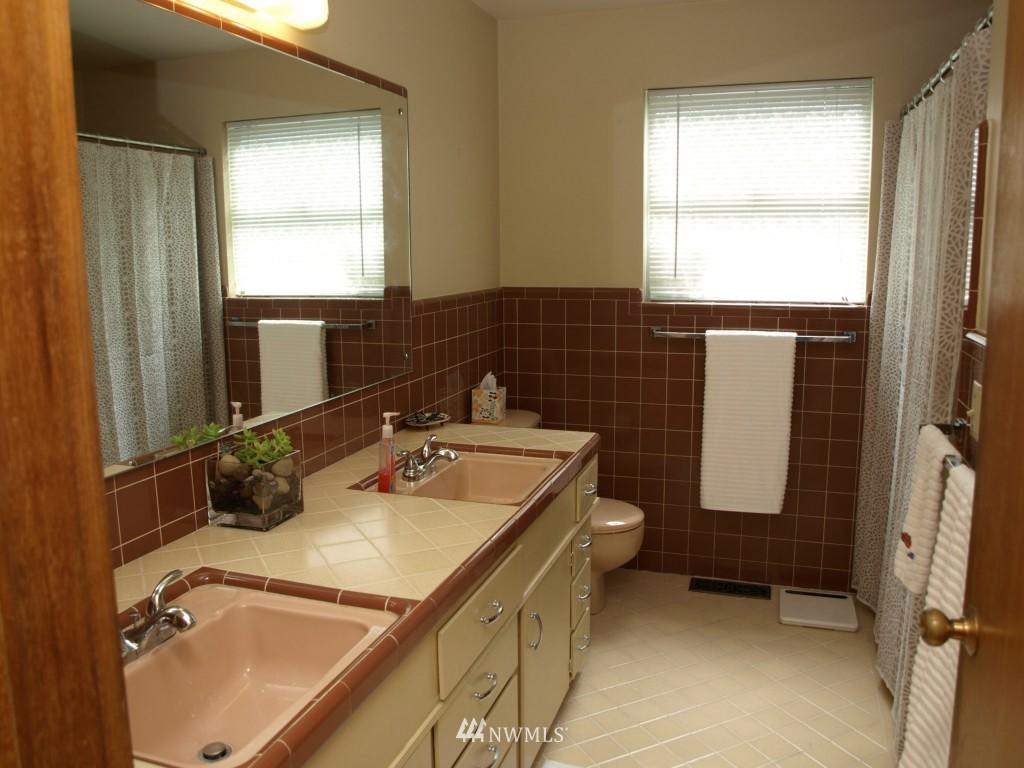 Sold Property | 15714 Greenwood Avenue N Shoreline, WA 98133 10