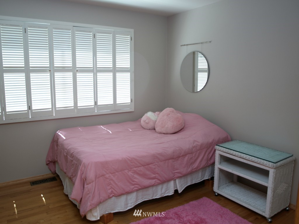 Sold Property | 15714 Greenwood Avenue N Shoreline, WA 98133 11