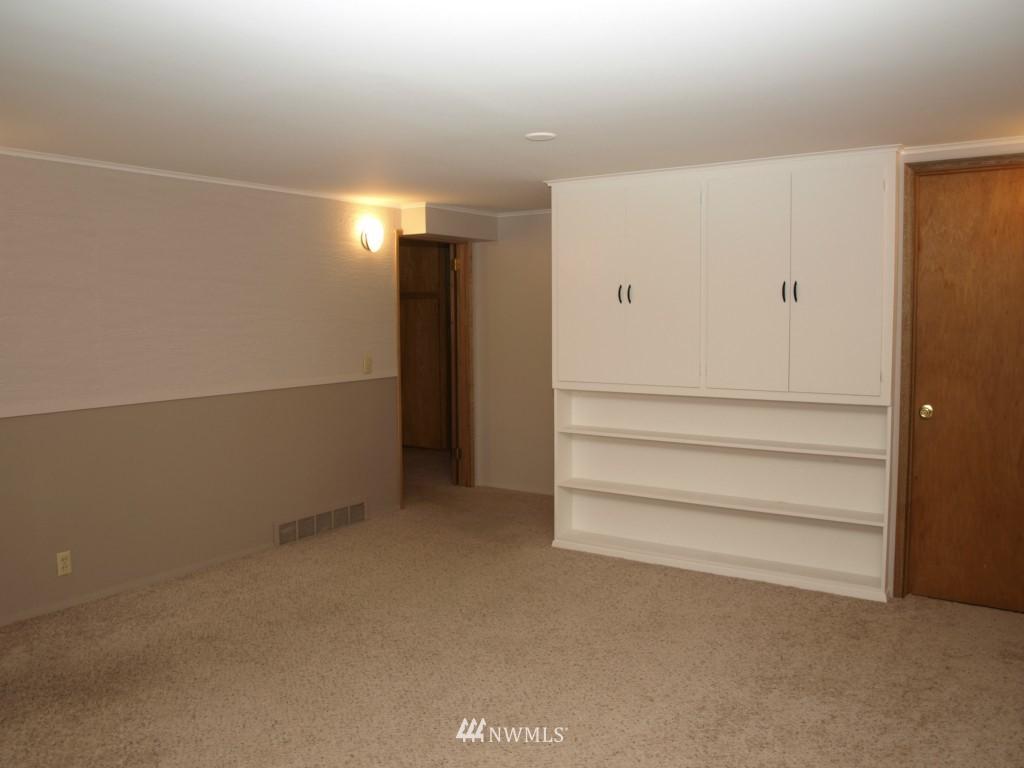 Sold Property | 15714 Greenwood Avenue N Shoreline, WA 98133 12