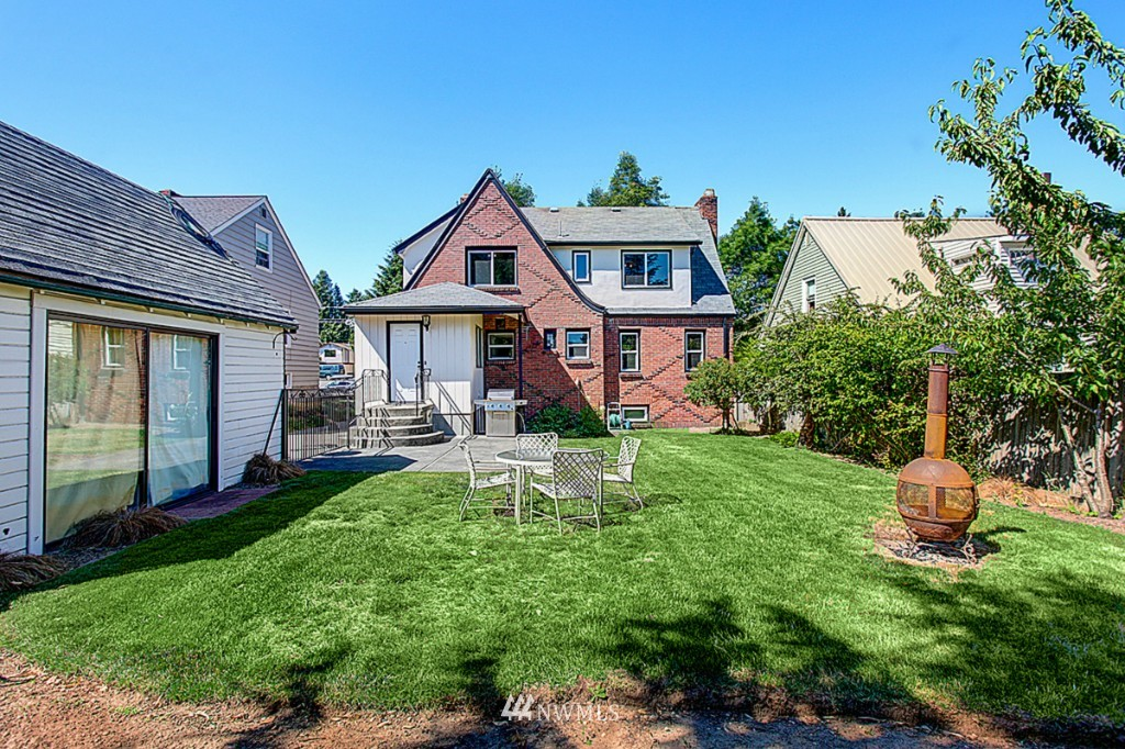 Sold Property | 637 NW 80th Street Seattle, WA 98117 10