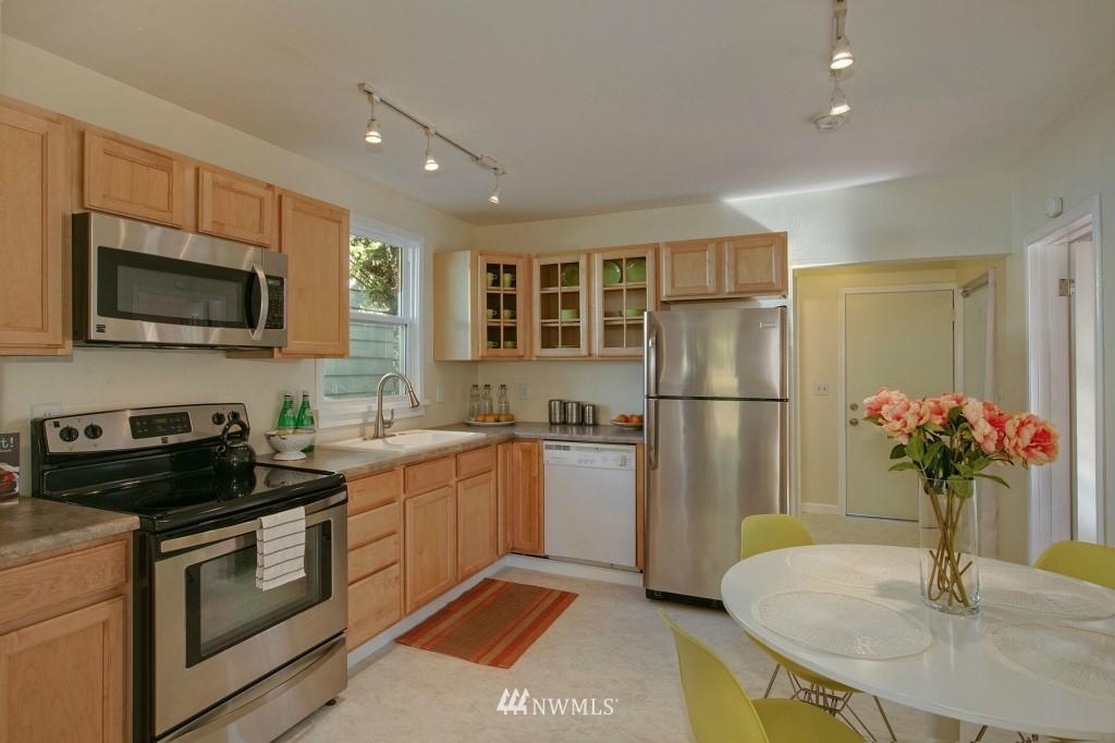 Sold Property | 5036 25th Avenue SW Seattle, WA 98106 6