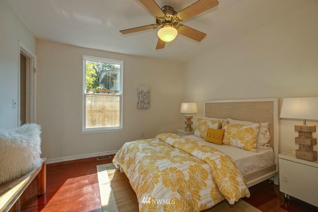 Sold Property | 5036 25th Avenue SW Seattle, WA 98106 9