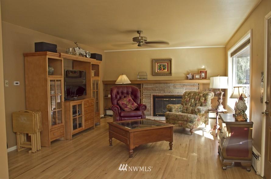 Sold Property | 4014 S 152nd Tukwila, WA 98188 2