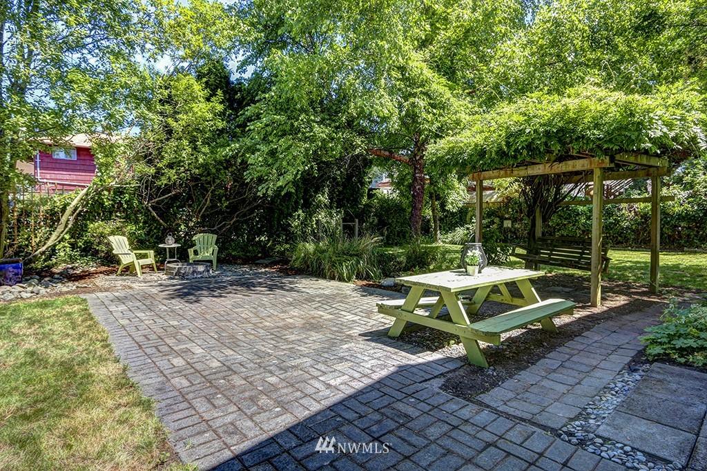 Sold Property   3716 SW Cloverdale Street Seattle, WA 98126 15