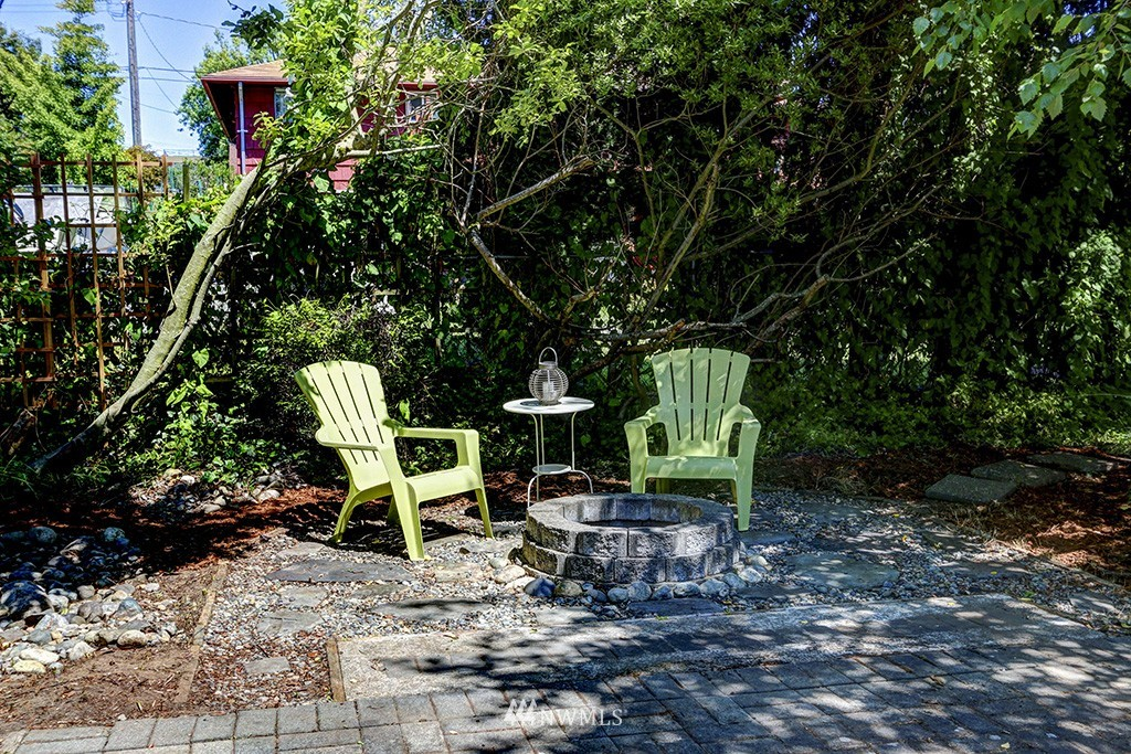 Sold Property   3716 SW Cloverdale Street Seattle, WA 98126 16