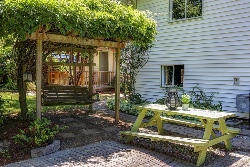 Sold Property   3716 SW Cloverdale Street Seattle, WA 98126 17