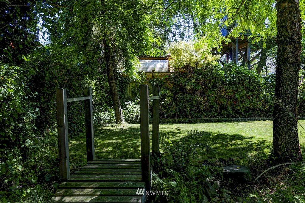 Sold Property   3716 SW Cloverdale Street Seattle, WA 98126 18