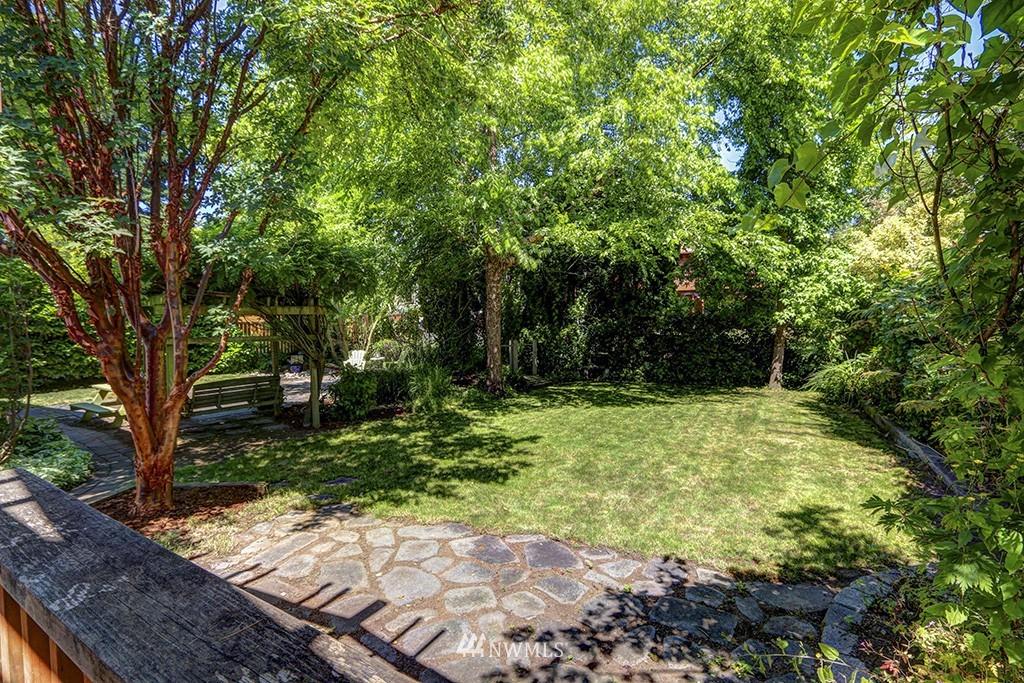 Sold Property   3716 SW Cloverdale Street Seattle, WA 98126 19