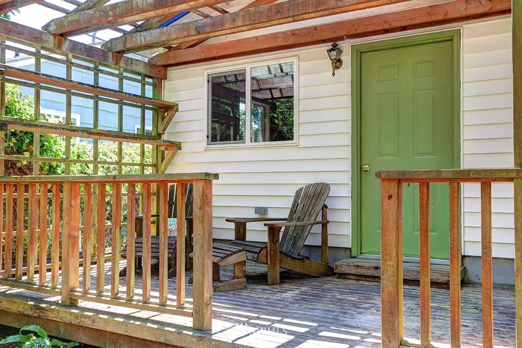 Sold Property   3716 SW Cloverdale Street Seattle, WA 98126 24