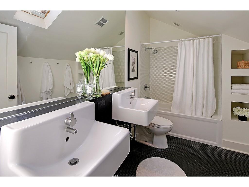 Sold Property   3215 NW 71st Street Seattle, WA 98117 7